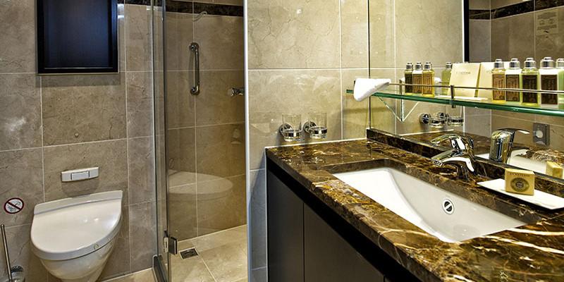 Vista_Interior_Panorama Suite Bathroom 2