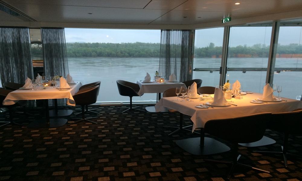 Scenic_dining_room_1000x600